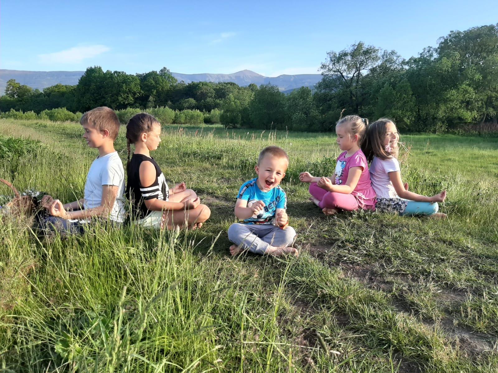 POZNAWANIE NATURY I ŻYWIOŁÓW OCZAMI DZIECKA. Warsztaty edukacyjne przygotowane specjalnie dla najmłodszych w dniach 11-13 oraz 25-27 sierpnia 2020 roku w okolicach Karkonoszy.